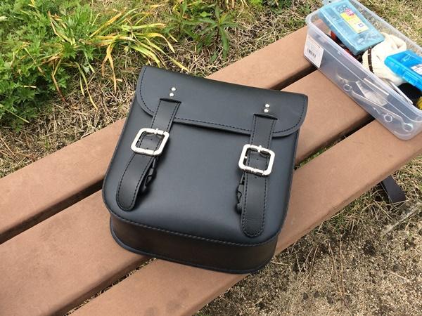 カブにサイドバッグを取り付けた
