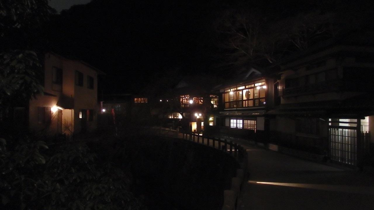 箕面の滝 料亭 夜