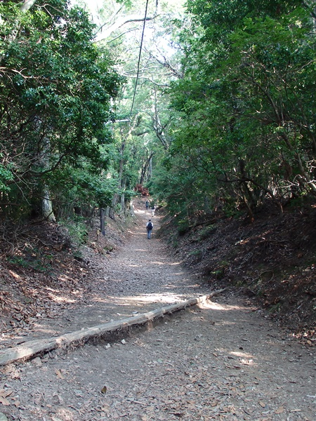 愛宕山登山道